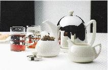 Cosy® Manto Set: Teapot White 1.0 L with Sugar and Milk set.