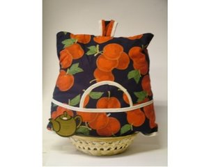 Teacosy with basket: cherries pattern